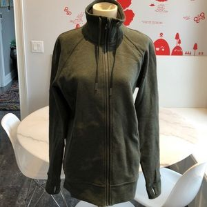 NWOT Lululemon Huddle &Hustle jkt in green. 8